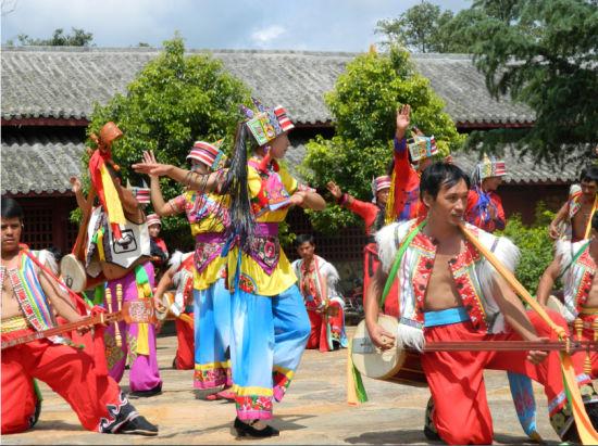 糯黑村民族歌舞表演