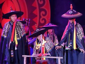 云南:楚雄彝族火把节举行祭火盛典
