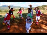 """彝族烟盒舞:民族艺苑中的""""擎天巨柱"""""""