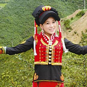凉山歌手群崛起 彝族传统歌曲受追捧
