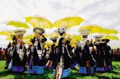 布拖:成功举办原生态的民间火把节