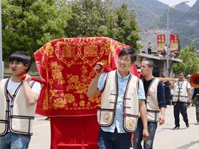 央视老故事频道《文化中国》栏目组到赫章拍摄彝族婚俗专题片