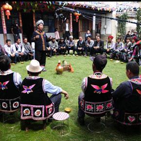 罗婺彝族酒歌第二辑在大永西彝寨拍摄