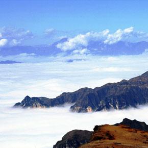 奇山美景大山包的传奇故事——峡谷奇观:大山包保护区鸡公山云海