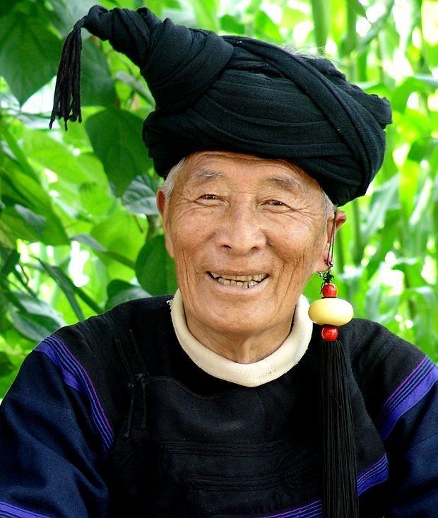 著名彝族学者吴奇果果先生去世