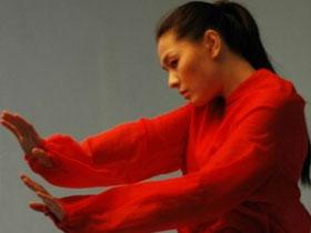 阿凉子者——朦胧的红衬衫
