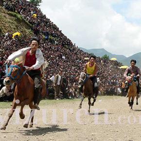 凉山彝族火把节——赛马