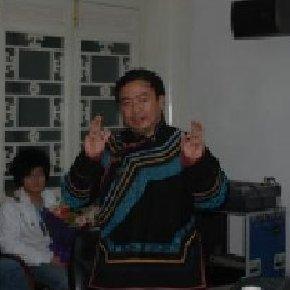 2009年度:阿库乌雾被聘为美国俄亥俄州立大学东亚语言文学系兼职教授