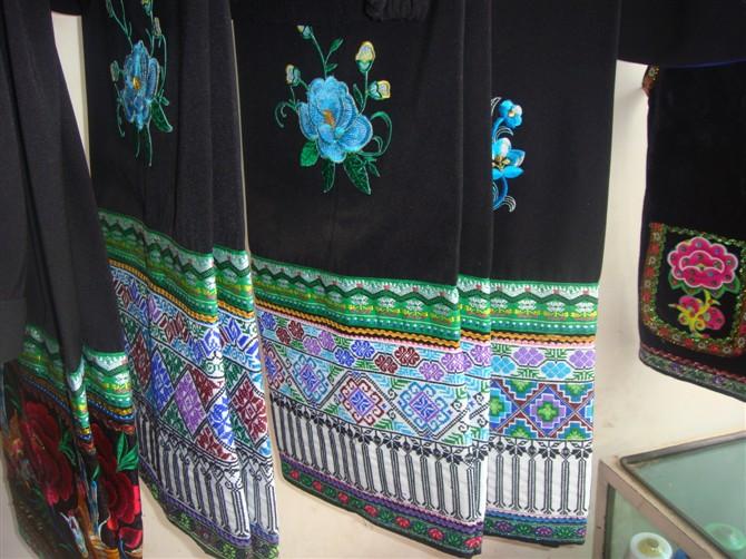 罗婺彝族刺绣一条街带动云南省禄劝刺绣产业发展图片