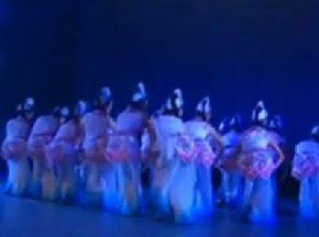彝族舞蹈:踩云彩(群舞)