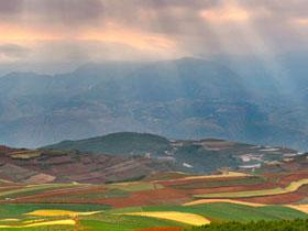 云南东川红土地——大自然的调色板(二)