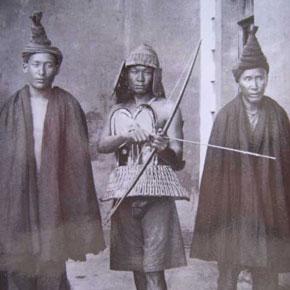不褪色的文化历史记忆——100年前法国人方苏雅镜头下的凉山彝族老照片