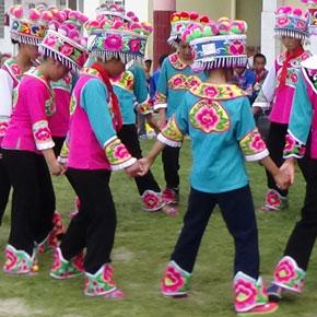 六一儿童节:一所民族村小的参与式记实
