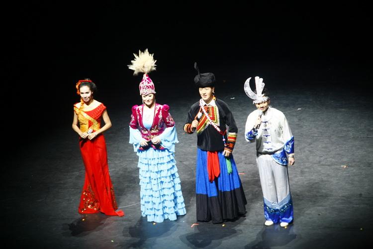 第四届全国少数民族文艺汇演掠影-列来拉杜作品