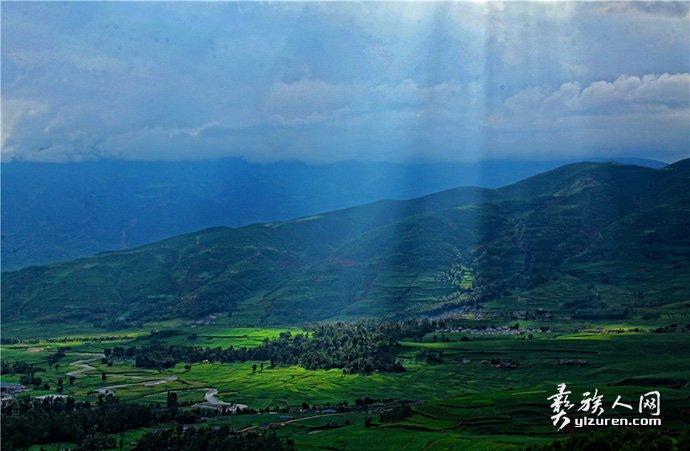 七月的布拖坝-张东