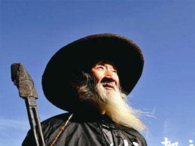毕节威宁布摩世家 彝族文化的坚守者