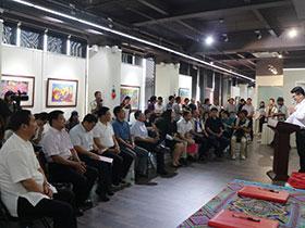 极富彝族特色的石林农民画石画等艺术精品亮相北京