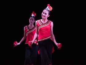 云南彝族的烟盒舞