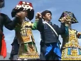 彝族传统舞蹈:凉山彝族达体舞《跺脚》