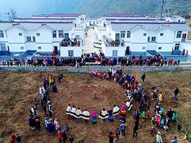凉山甘洛:易地扶贫移民搬迁户 迎来新家首个彝历新年
