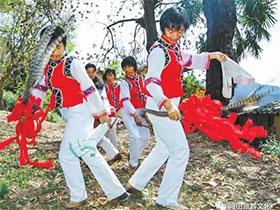峨山花鼓舞传承小记:敲响彝族文化传承的鼓点