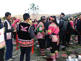 罗婺彝族同胞欢度彝族年