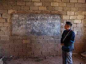 四川彝族教师瞒家人花5万盖砖房学校 14年坚守大凉山村小学