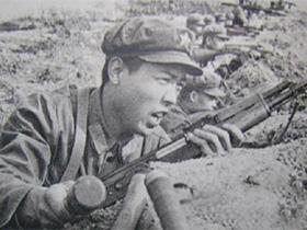 """被称为""""人肉迫击炮""""的对越反击战彝族战斗英雄-阿尔子日"""
