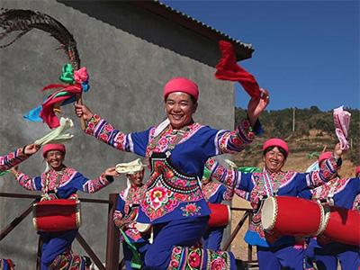 双柏县安龙堡乡:花鼓舞动在彝族乡