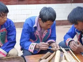 走近楚雄第八代彝族葫芦笙制作及演奏传承人李发富
