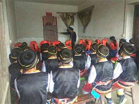 叙永县水潦彝族乡:节日假期教学 传承彝族语言