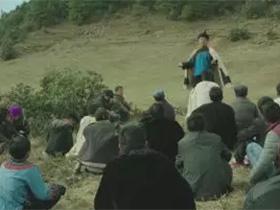 彝族禁毒电影《梦回远山》首映在成都举行