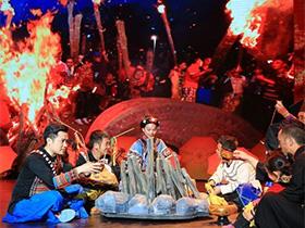 凉山洛古波乡:燃情火把 展示彝族民俗之美
