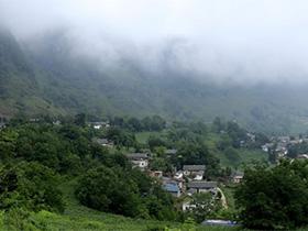甘洛古文村:因支格阿龙的传说而更加美丽