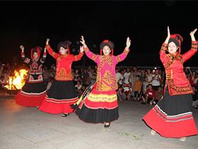 浙江温岭:八百彝族群众第二故乡喜过火把节