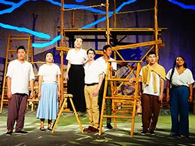 中美双语彝族元素音乐剧《当爱》在北京成功举行文化交流演出