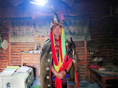 彝族毕摩文化是世界民族文化的一朵奇葩