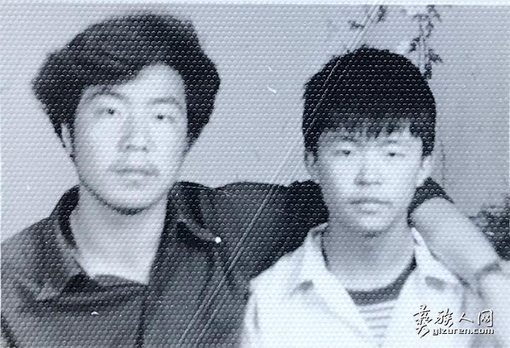 凉山民族师范学校普师班照片(右).jpg