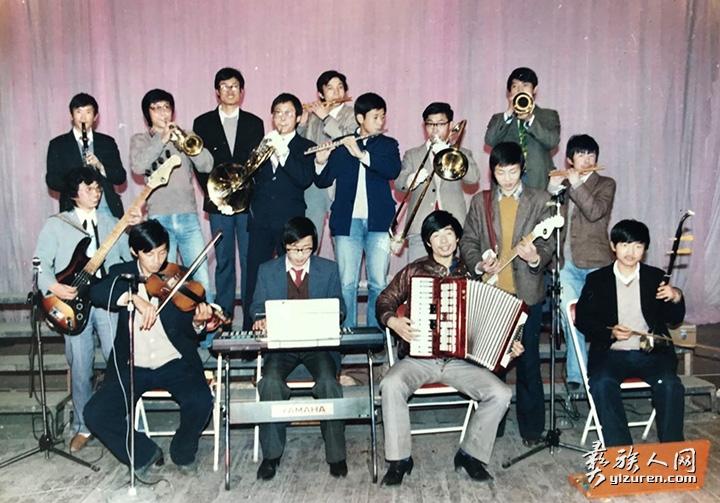 四川农业大学校乐队成员合影.jpg