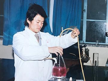 白史且——当年支教老师取名的彝家孩子 成长为在人民大会堂领国家科技大奖的科学家