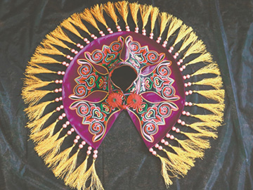 威宁彝族服饰文化多姿多彩