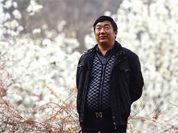 《民族文学》2018年度奖近日揭晓 我州诗人阿苏越尔榜上有名