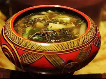 人间真味 | 圆根酸菜汤,油炒土豆丝