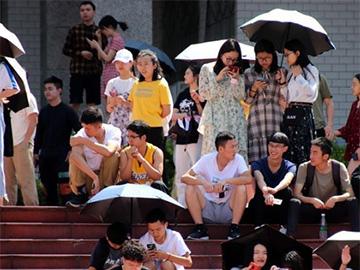 """西昌学院举行校园歌手大赛 唱响青春风采 梦想不停""""声"""""""
