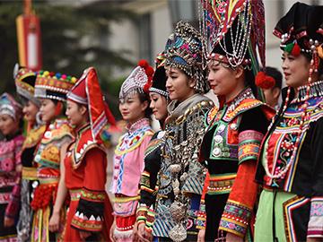 楚雄州政府网站发布《云南省楚雄彝族自治州彝族服饰保护条例》