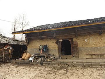彝族传统民居建筑保护和传承何去何从——彝区新村建设与保护文化生态有了冲突怎么办