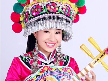 彝族姑娘周丽珍央视演唱《九儿》飙高音