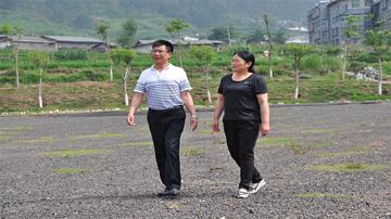 最美奋斗者--李桂林和陆建芬夫妇