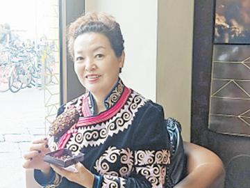 热爱彝文的彝族姐姐