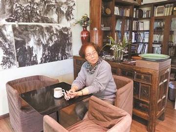 彝族女版画家李秀——用刀和笔记录精彩瞬间